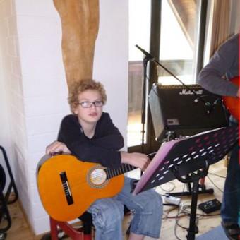 Gitarrist Simon